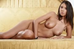 yuliya-snigir-eroticheskie-stseni