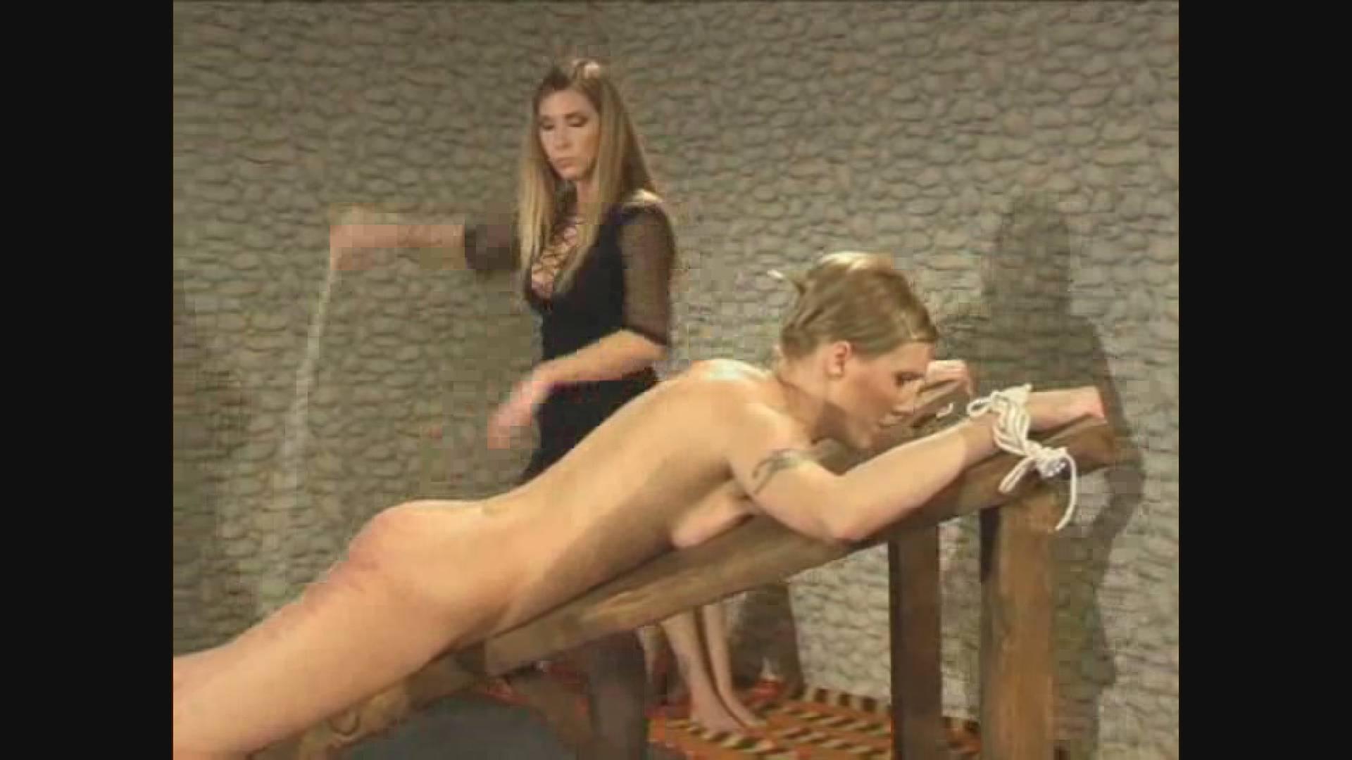 Розгами эротическое видео мужчин поркой наказание