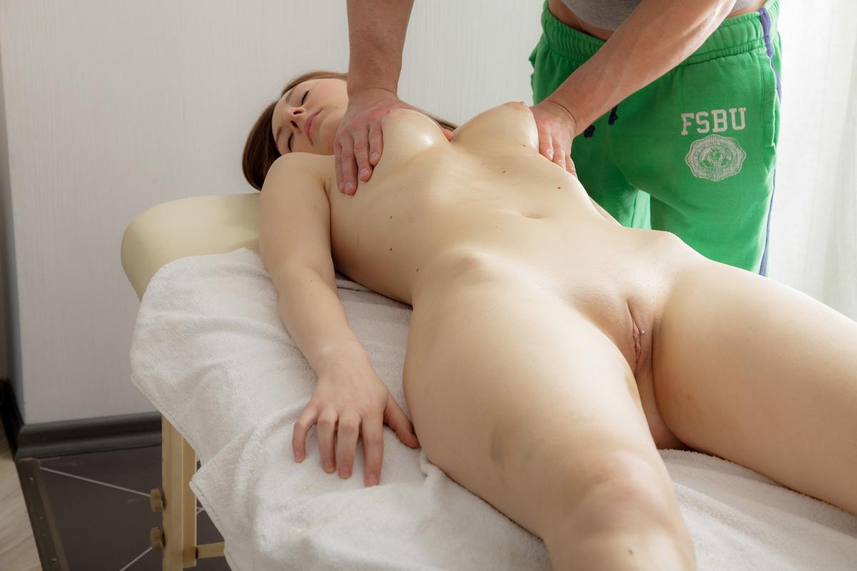 Сексуальный массаж с Happy End