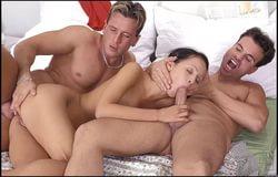 Анна трахается с двумя мужиками за долги