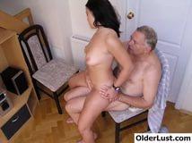 Смотреть секс с дедушками извращенцами фото 37-962